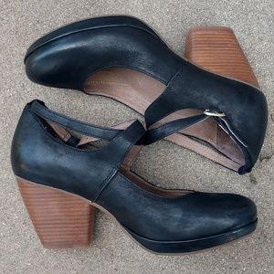 00aa79e5254 Dansko Shoes - DANSKO Minette Burnished Nubuck Heel Size 39